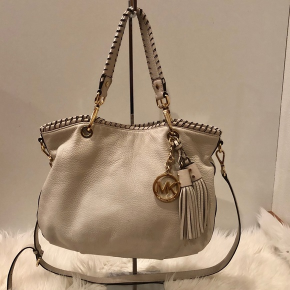Michael Kors Handbags - MICHAEL KORS LARGE SHOULDER BAG-TAN
